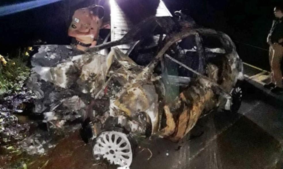 Suspeito de matar a companheira sofreu acidente durante a fuga, no sudoeste do Paraná — Foto: PRE/Divulgação