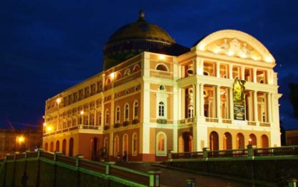 Санкт Петербург. Российская империя против российского