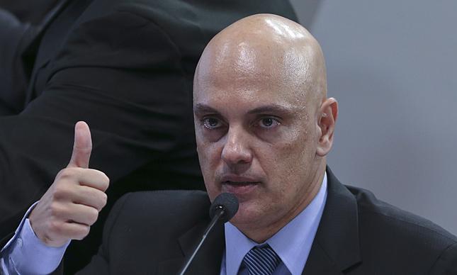 Alexandre de Moraes, indicado ao Supremo Tribunal Federal, durante sabatina na Comissão de Constituição e Justiça (CCJ) do Senado  (Foto: Aílton de Freitas / Agência O Globo)