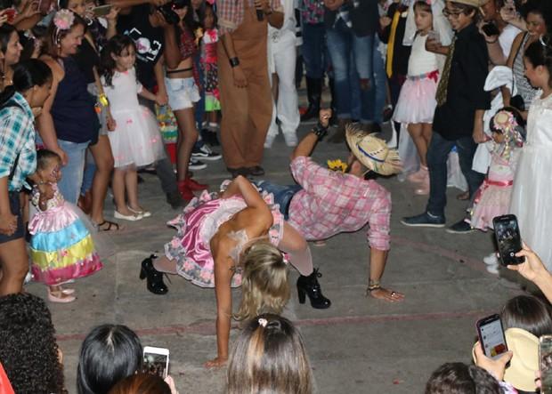 Jéssica e Kaysar dançando (Foto: AgNews)
