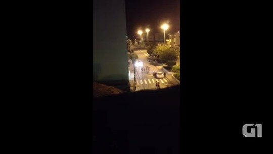 Grupo em caminhonete de luxo explode banco em Brejo da Madre de Deus