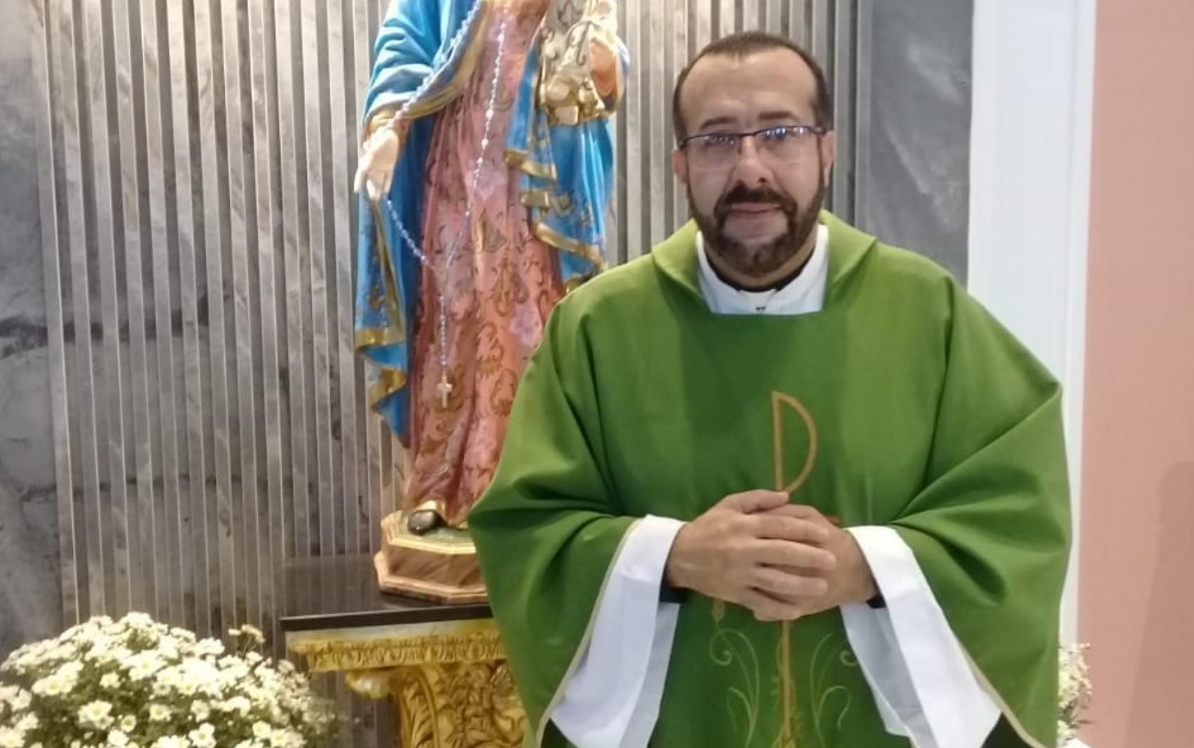 Bispo fala em missa sobre padre preso suspeito de estuprar jovem em Goiás: 'Para o delituoso, a justiça'