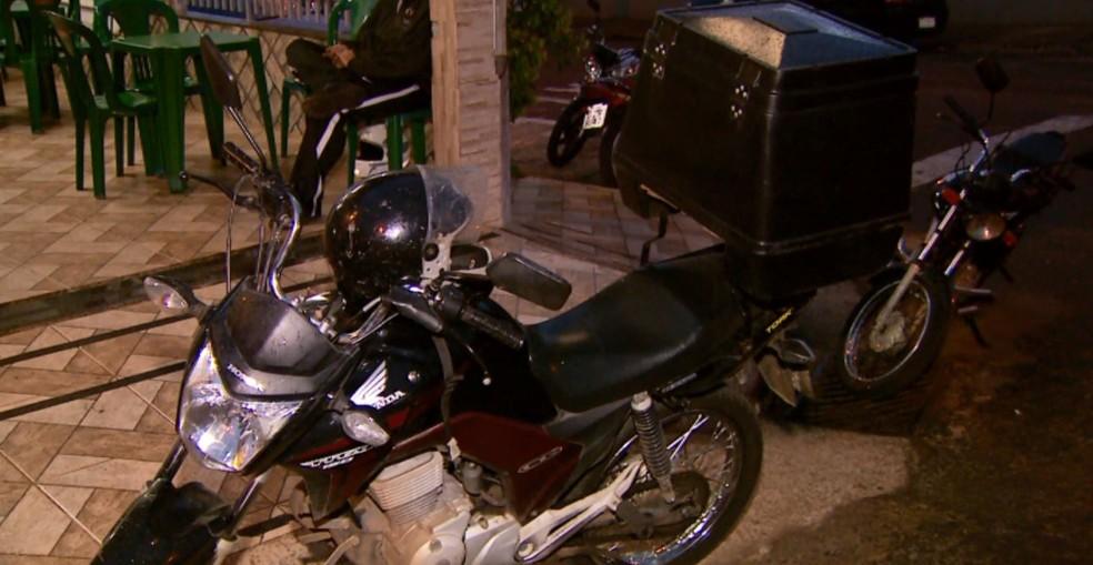 Série de assaltos assusta motoboys e comerciantes de Alfenas (Foto: Reprodução EPTV)