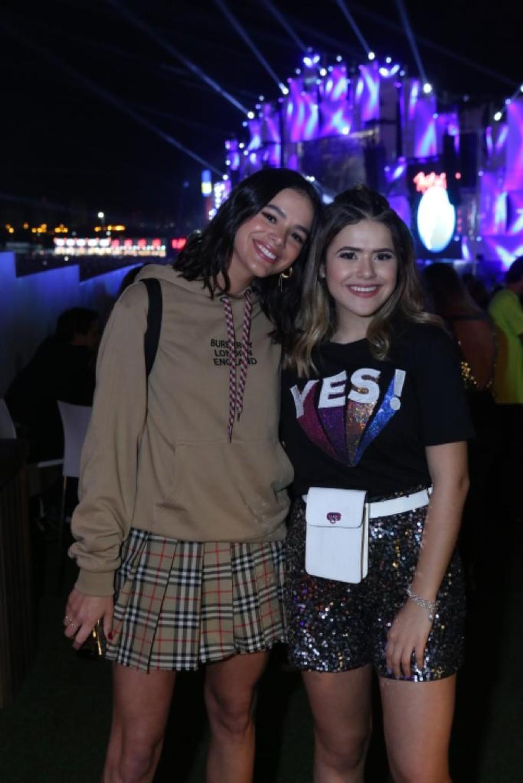Bruna Marquezine e Maisa no Rock in Rio — Foto: Reginaldo Teixeira/Divulgação