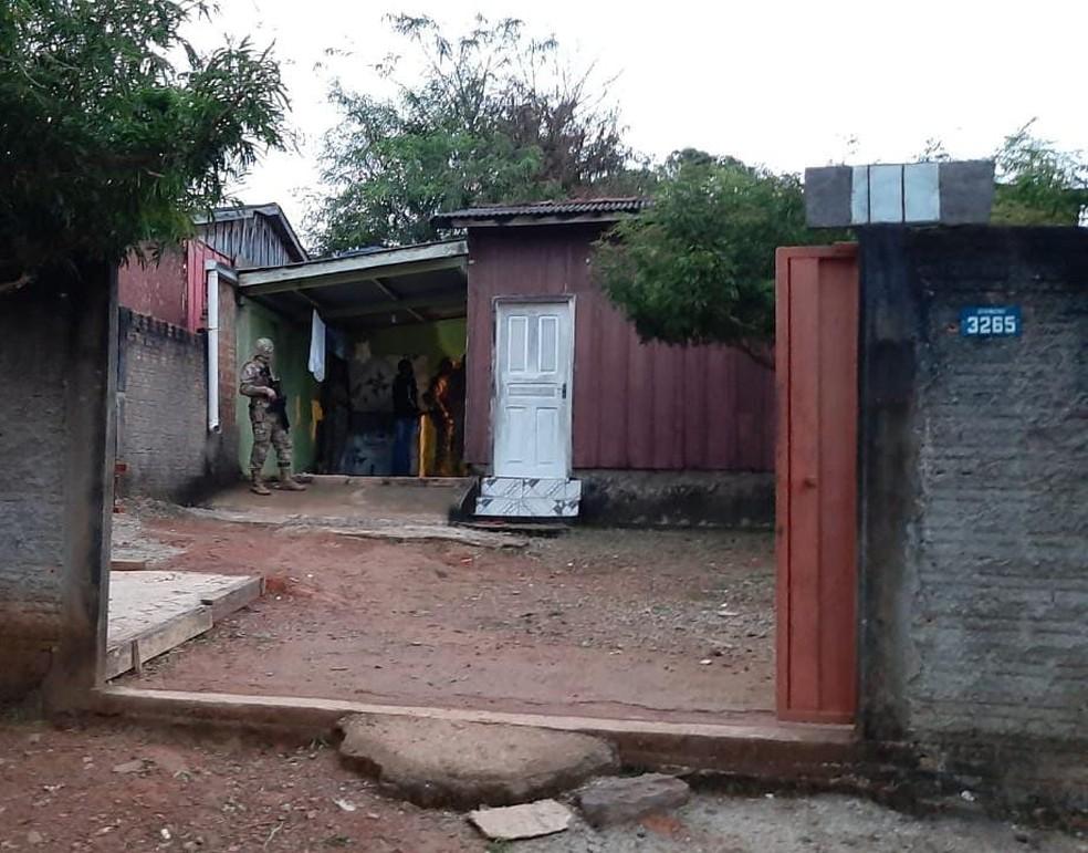 Polícia cumpre mandados judiciais na Operação Xeque-Mate  — Foto: William Andrade/Rede Amazônica