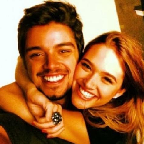 Juliana Paiva e Rodrigo Simas (Foto: Reprodução)