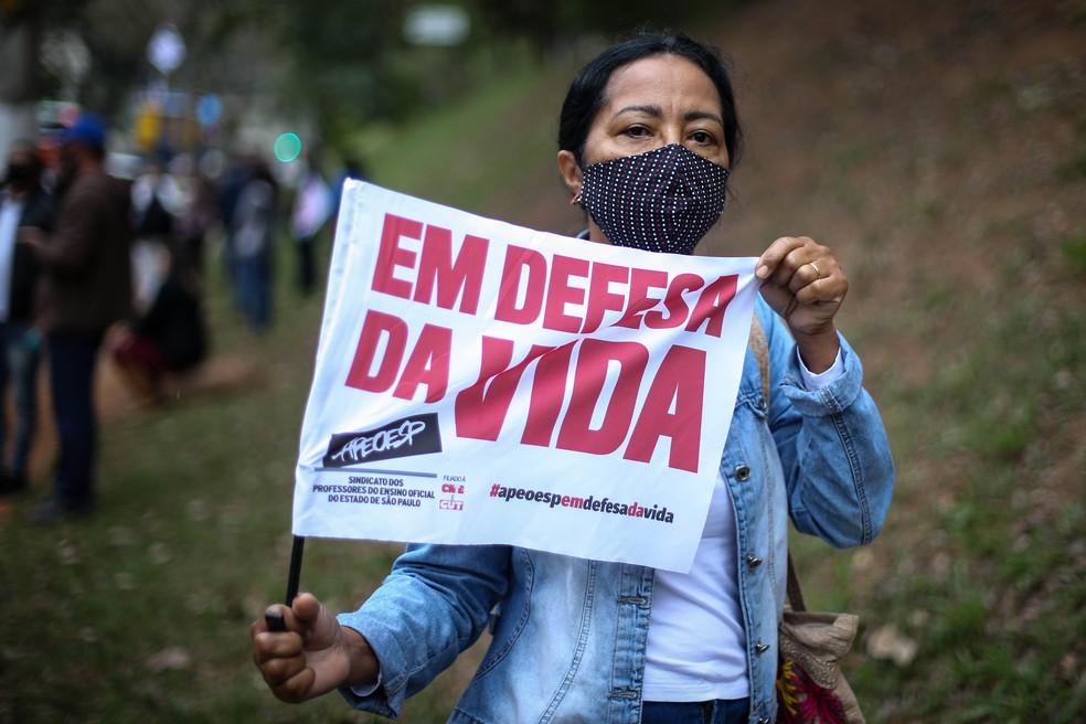 Professores da rede pública estadual de SP protestam contra retomada das aulas presenciais — Foto: Felipe Rau/Estadão Conteúdo
