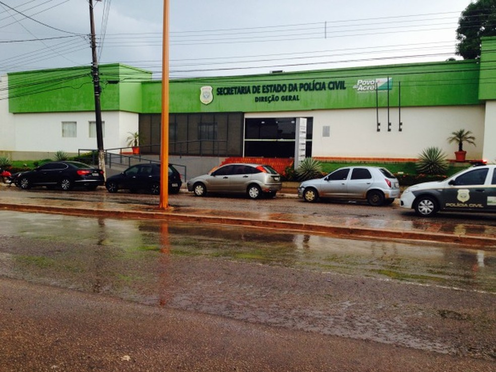 Secretaria de Polícia Civil abriu processo administrativo para investigar policial  (Foto: Aline Nascimento/ G1)