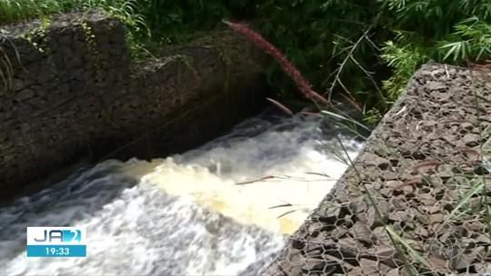 Lavrador que mora abaixo de represa que ajudou a construir diz ter medo de rompimento