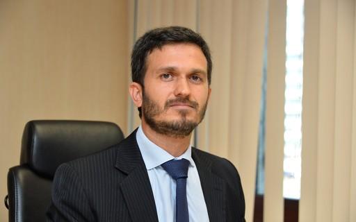Secretário de Portos reconhece falta de contêineres refrigerados, mas descarta paralisação nos terminais
