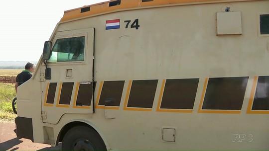 Grupo assalta carro-forte no Paraguai; polícia suspeita de brasileiros