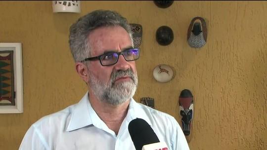 Professor da USP diz que saída de Cuba deixa 'vazio' e pede negociação