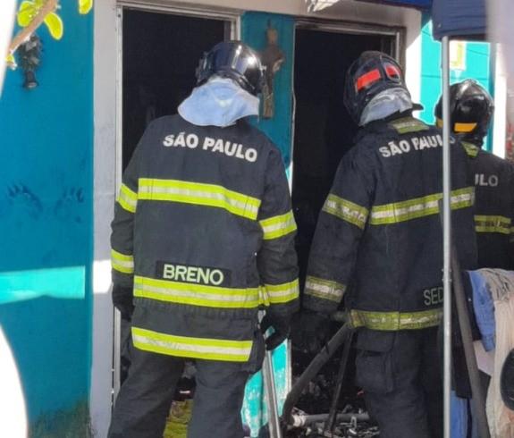 Incêndio destrói bazar de asilo para idosos no litoral de SP