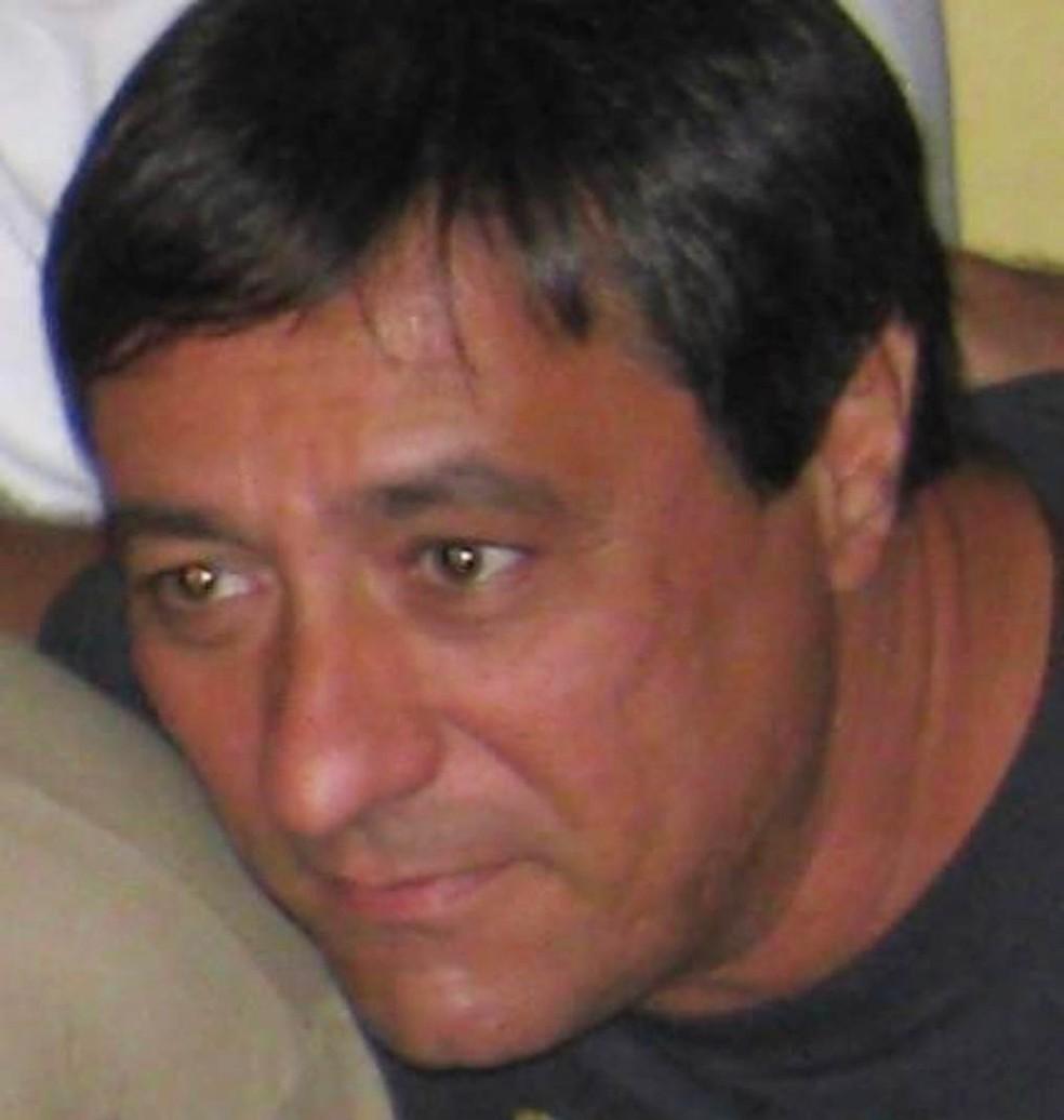 Carlos Eduardo Monttechiari com a família: morto por desavenças com a síndica — Foto: Reprodução/TV Globo