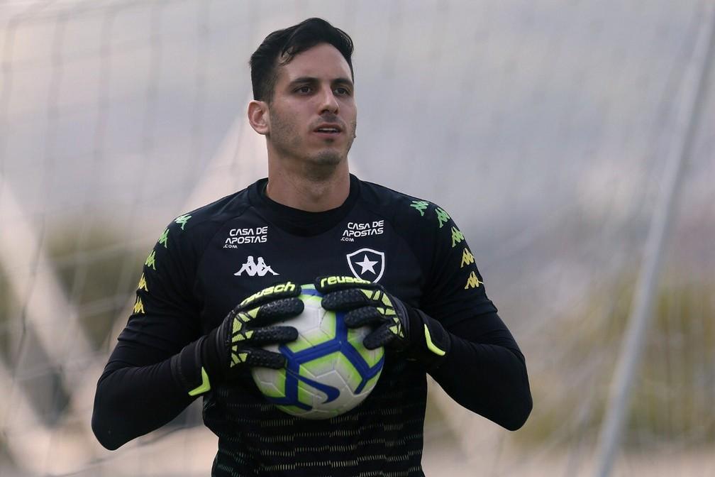 Gatito Fernández abre o jogo sobre lesão e futuro no Botafogo — Foto: Vitor Silva/Botafogo