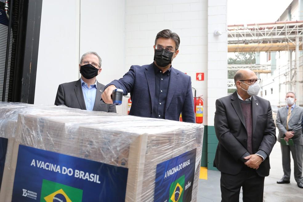 Rodrigo Garcia (PSDB) ao lado de Dimas Covas e Jean Gorinchteyn.  — Foto: Divulgação/Secom/GESP