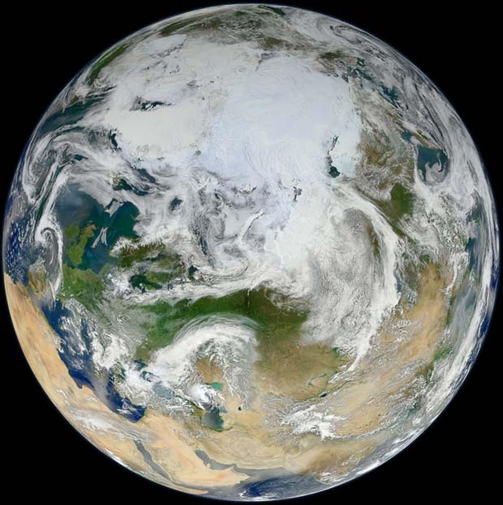 Região de menor intensidade do campo magnético da Terra, situada acima do continente sulamericano, tem efeitos que podem ser sentidos a partir de cem quilômetros de altitude (Foto: NASA/GSFC/Suomi NPP)