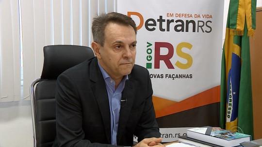 Governo do RS assina medidas que devem reduzir preço da carteira de habilitação em até 25%