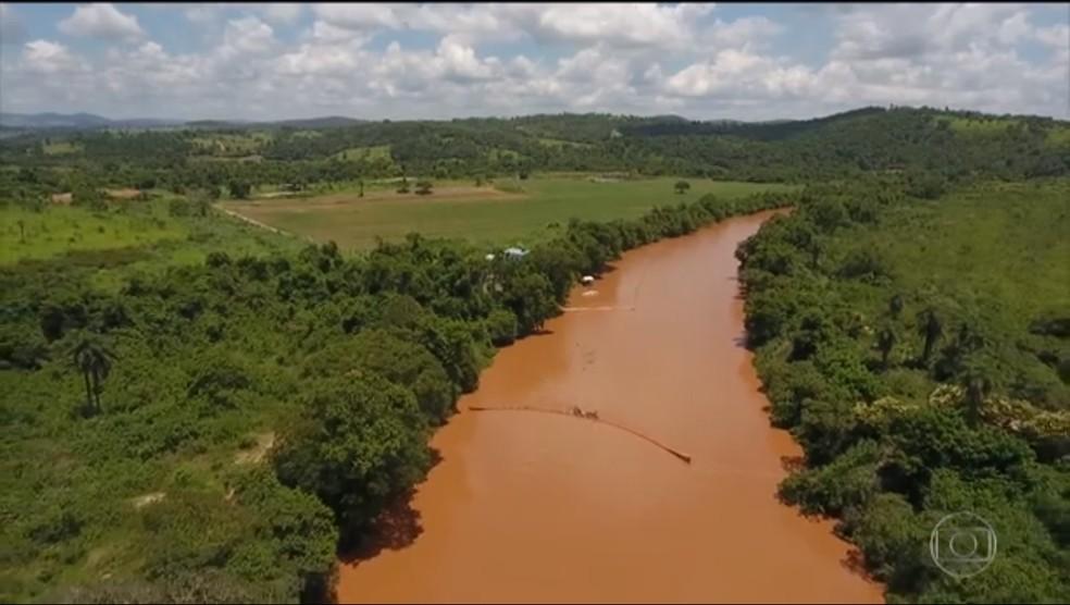 Rio Paraopeba em Pará de Minas — Foto: Reprodução/TV Globo