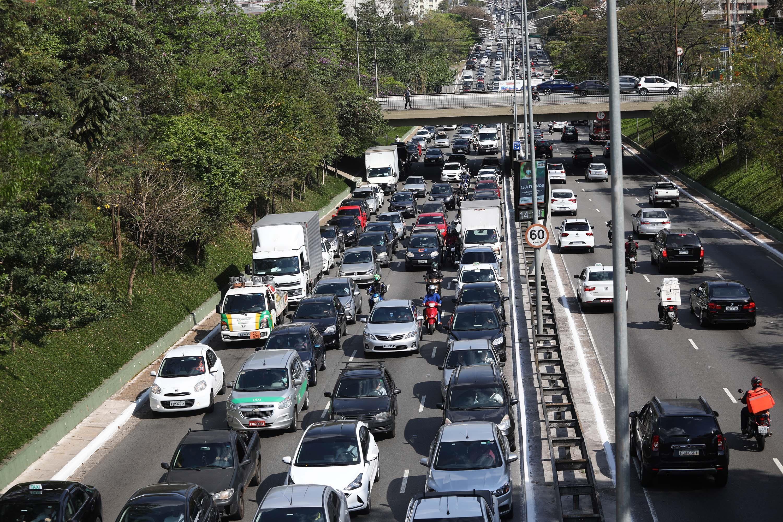 Estado de SP tem 9,5 milhões de veículos rodando com licenciamento atrasado e que podem ser apreendidos