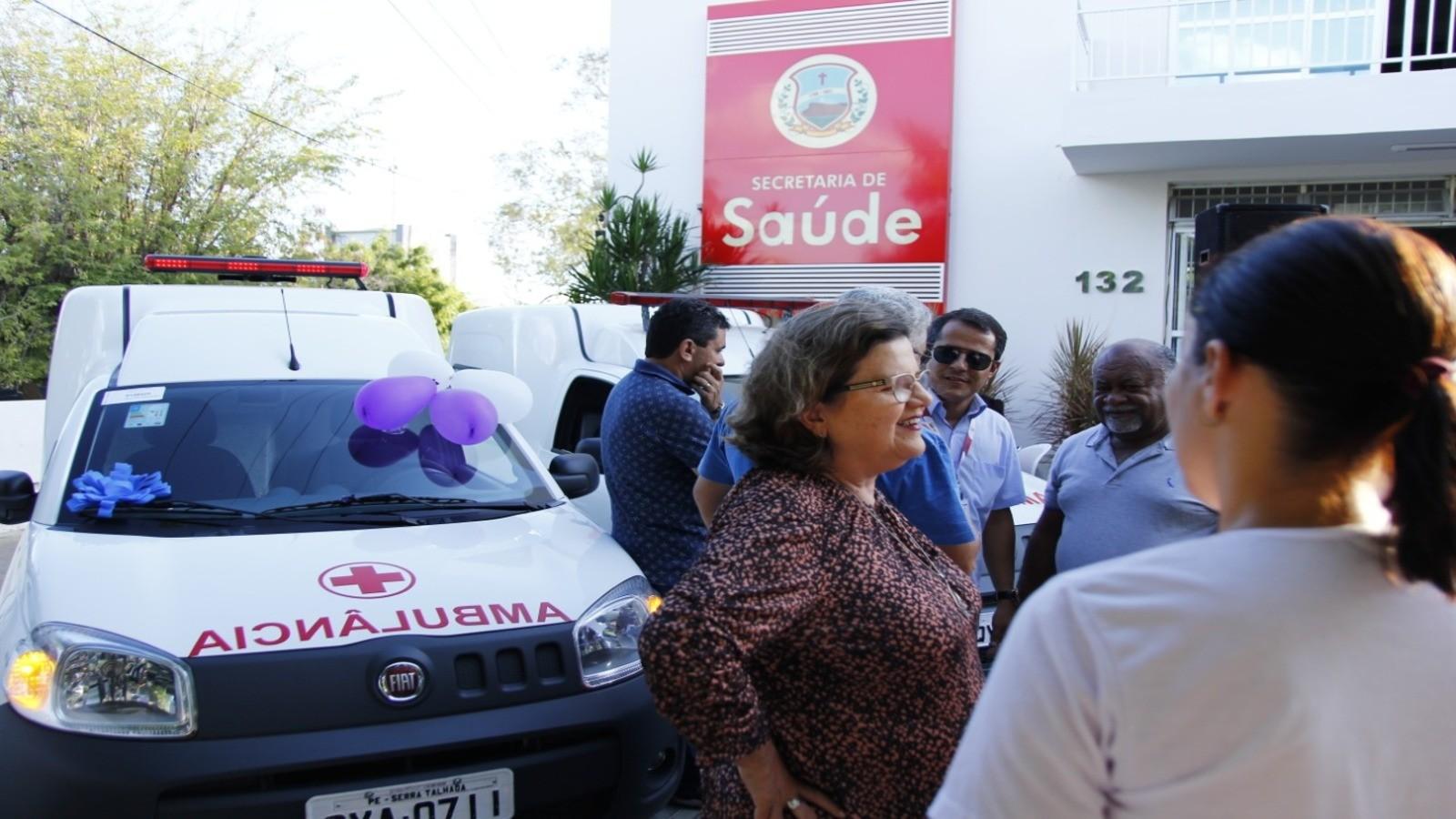 Prefeitura entrega ambulâncias à Secretaria de Saúde e anuncia novo investimento - Notícias - Plantão Diário