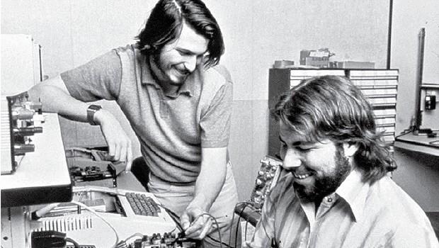 Jobs e Wozniak criaram a Apple numa garagem. Fenômeno do passado? (Foto: Apple/dpa/Corbis)