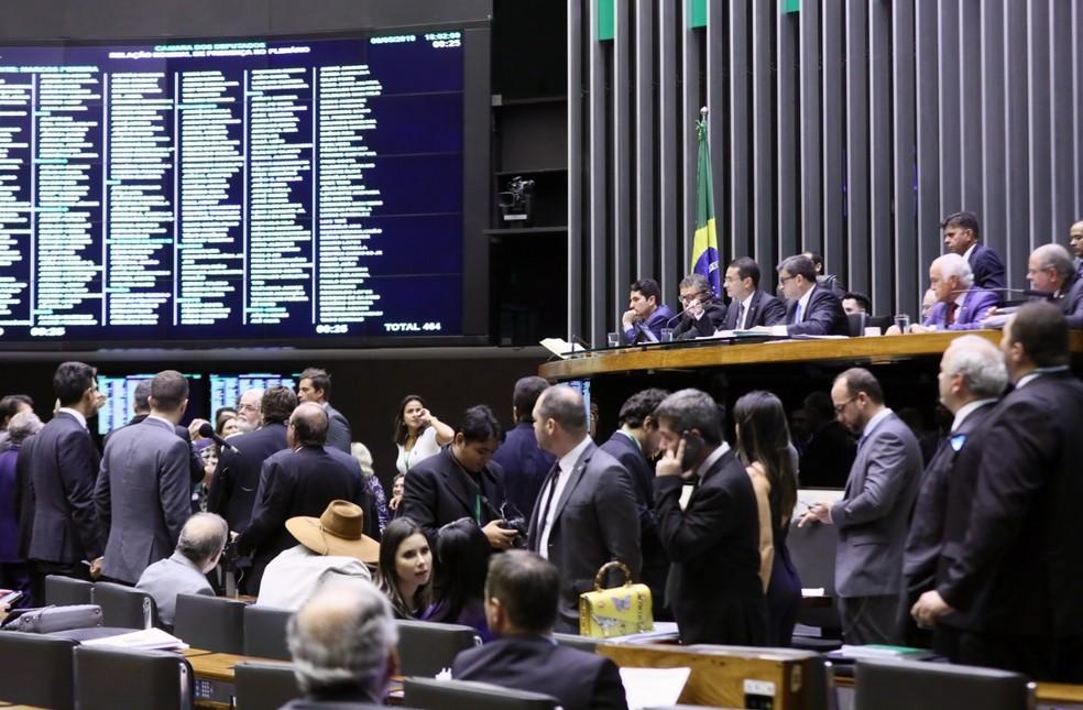 Deputados reunidos no plenário da Câmara durante a sessão desta quarta (8) — Foto: Luis Macedo/Câmara dos Deputados