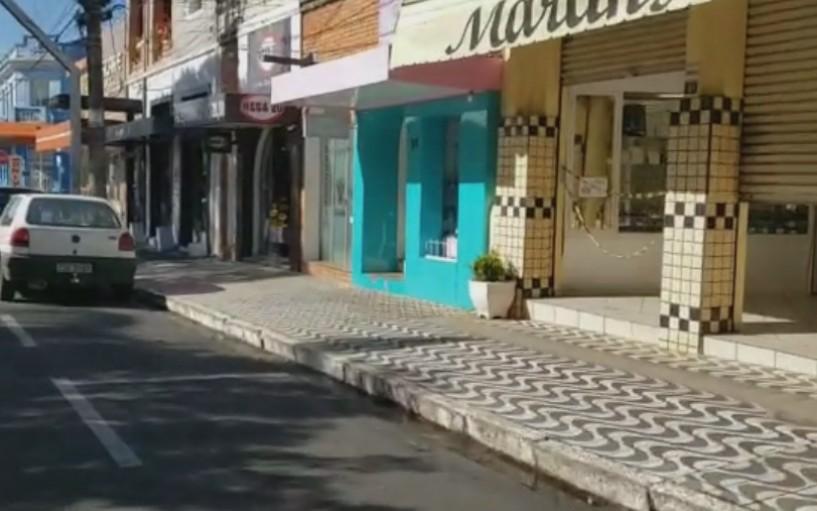 Prefeitura de Garça recua na flexibilização e fecha salões de beleza e barbearias