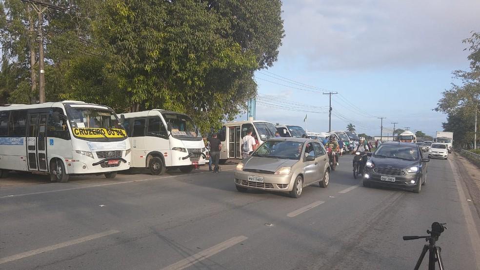 Motoristas de transportes complementares protestam em 25 pontos de Alagoas — Foto: Almir Custódio/Arquivo Pessoal
