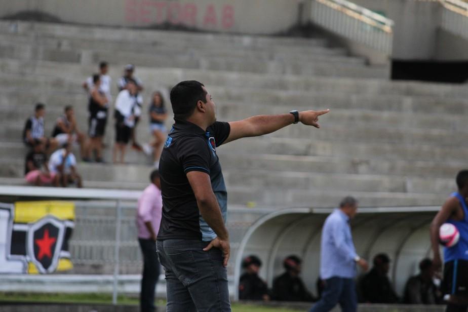 Leston Júnior admite falhas do Belo em empate com o CSP: