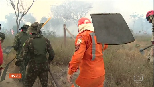 Governo faz balanço do 1º mês de atuação das Forças Armadas no combate às queimadas
