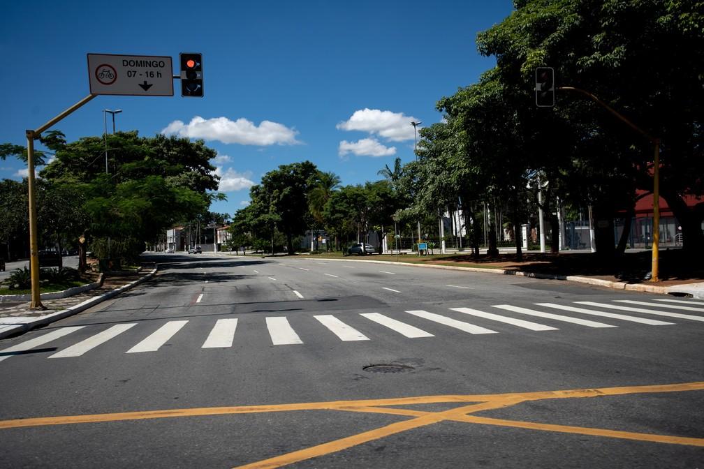SÃO PAULO - Avenida Brasil, em São Paulo, na manhã desta segunda-feira (23) — Foto: Marcelo Brandt/G1