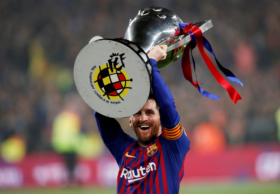 Barcelona conquistou apenas a taça do Campeonato Espanhol na temporada passada — Foto: Reuters