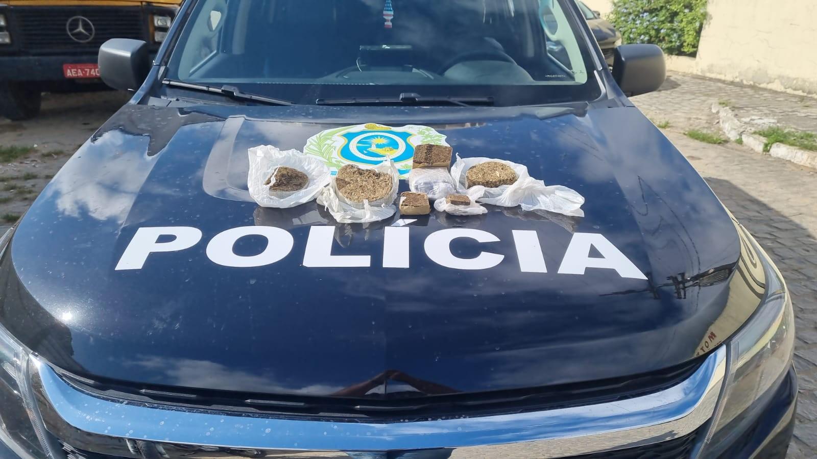 Polícia apreende maconha dentro de bolsa de comida ao lado do presídio em Caruaru