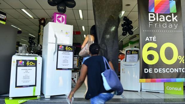 Movimento no comércio da rua Teodoro Sampaio, em Pinheiros, durante a Black Friday (Foto: Rovena Rosa/Agência Brasil)