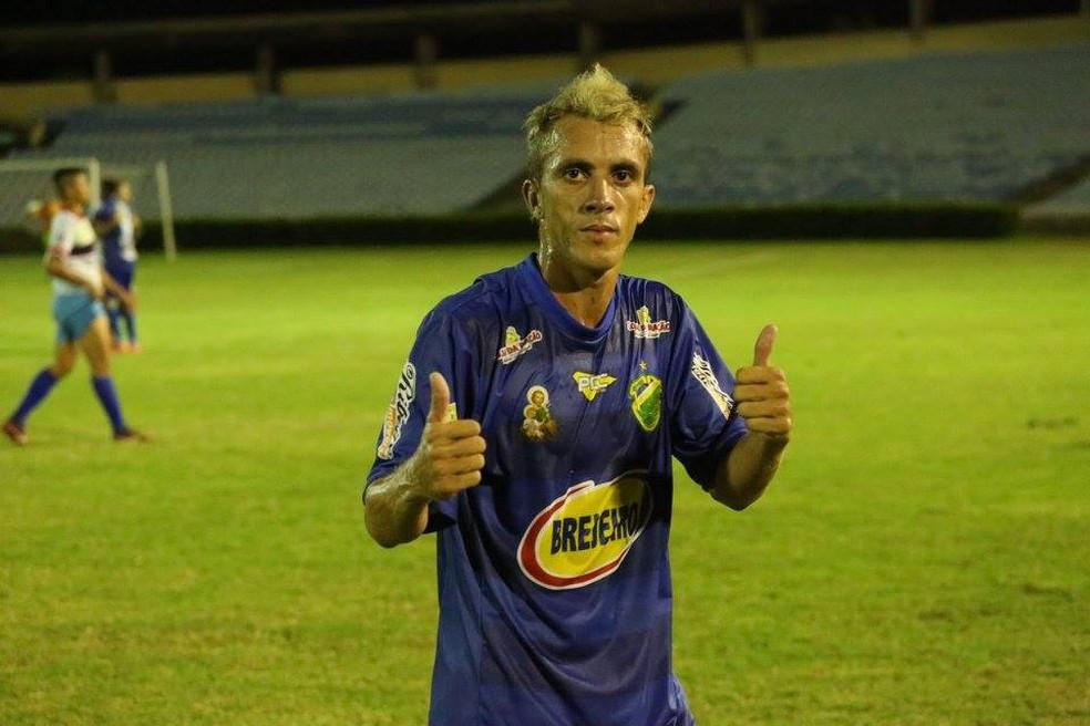 Bruno quando jogava no Altos  (Foto: Divulgação/Altos )