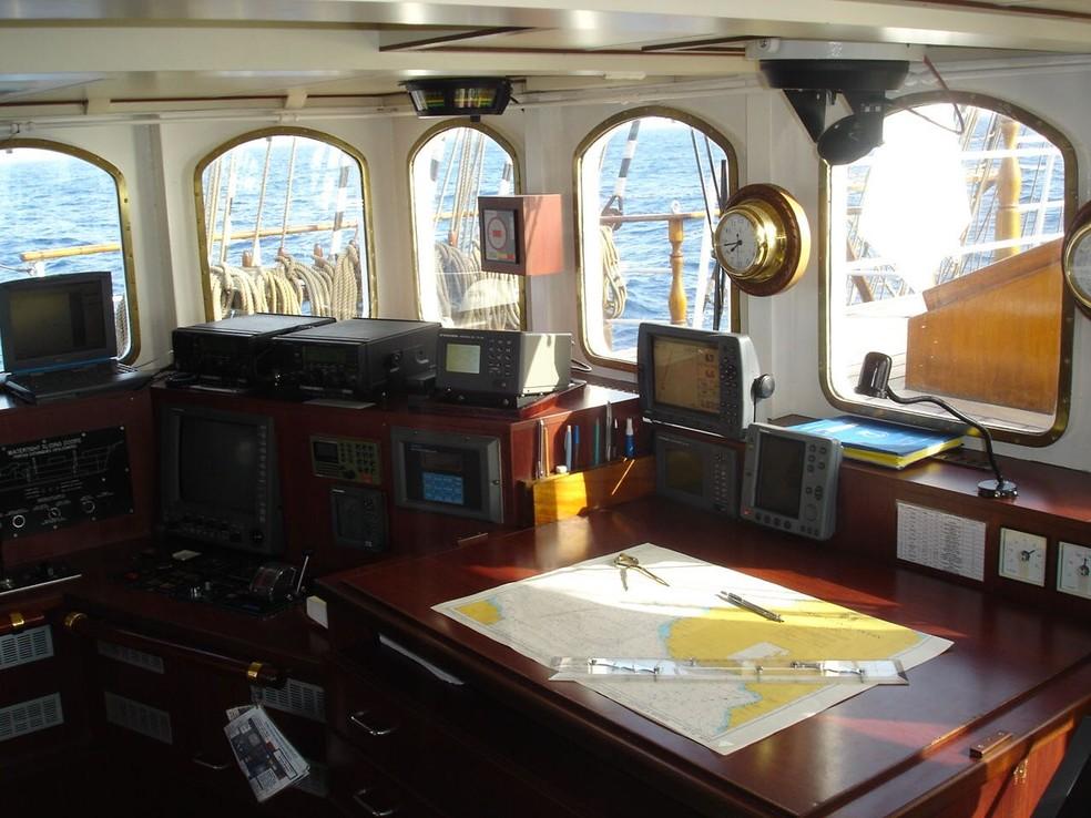 Navio Cisne Negro, da marinha brasileira, foi construído no modelo de veleiros do século XIX (Foto: Divulgação/ Marinha do Brasil)
