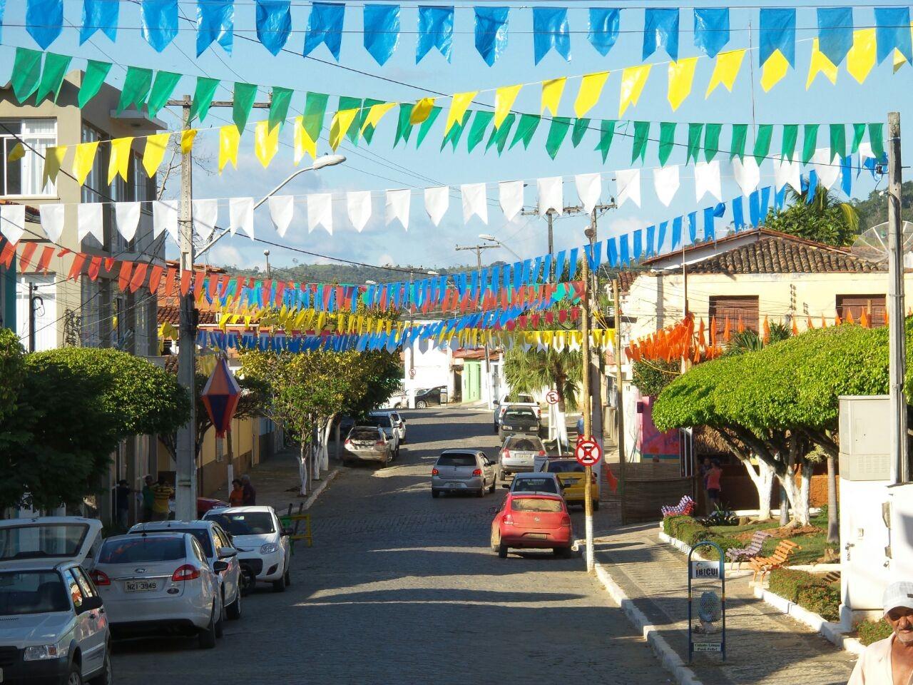 Cidades da Bahia cancelam festejos juninos; confira lista