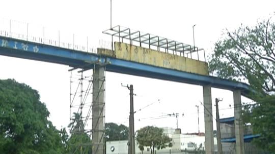 Passarela em Poá ainda espera por reforma; engenheiro avalia outras passagens na linha 11-Coral