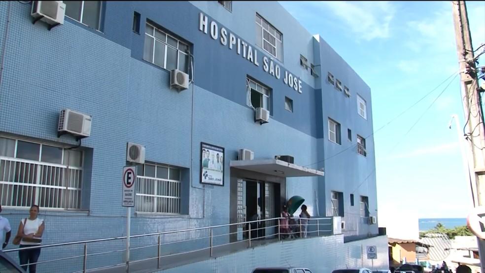 Mãe conseguiu carona para ir até hospital, mas bebê morreu antes de chegar à unidade médica (Foto: Reprodução/TV Santa Cruz)
