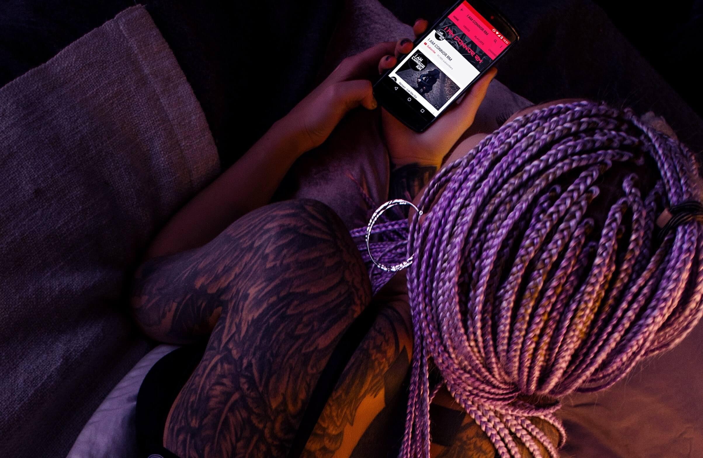 Cerca de 37% das mensagens enviadas por mulheres obtém respostas em sites de namoro (Foto: Nappy Photos/IamConnorrm/Creative Commons)