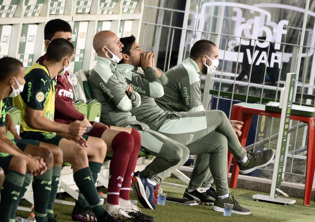 Alerta verde! Novos problemas surgem no Palmeiras em semana de Copa do Brasil e Dérbi