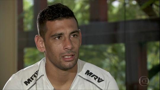 """Diego Souza explica peso de Raí em acerto com São Paulo e mira Copa: """"Vou lutar por esse sonho até o final"""""""