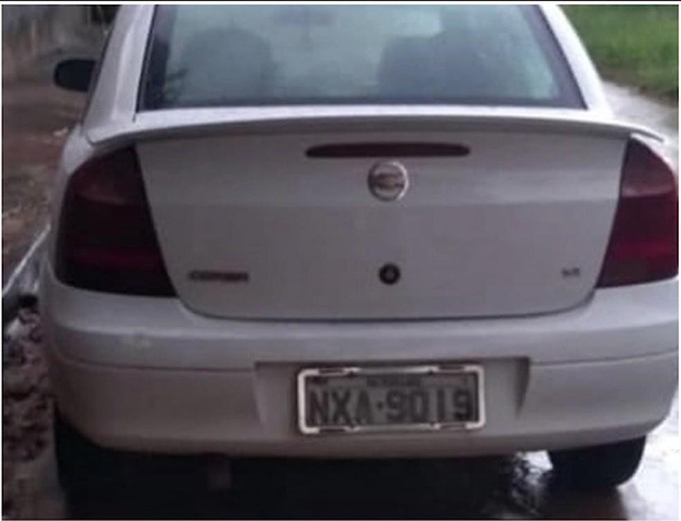 Motorista foi assaltado no bairro da Forquilha e os bandidos ainda rodaram por várias horas, até abandonar o veículo — Foto: Reprodução/TV Mirante