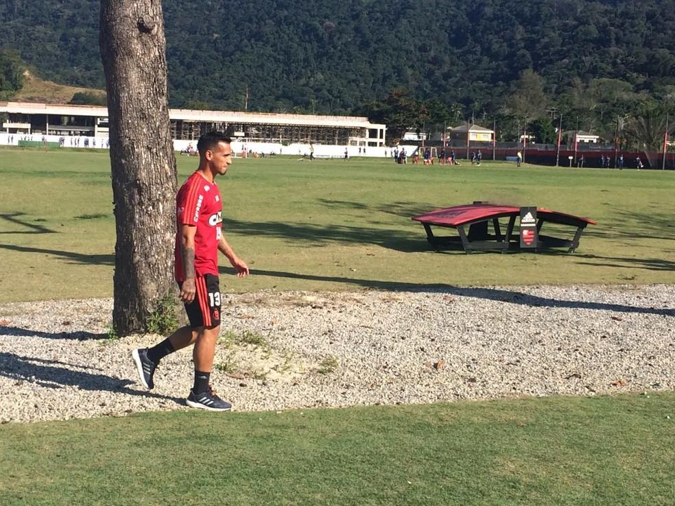 Trauco tem permanência indefinida no Flamengo: jogador foi procurado pelo San Lorenzo, da Argentina — Foto: raphael zarko