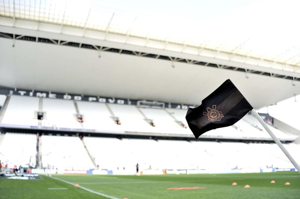 Corinthians tenta resolver imbróglio com a Caixa Econômica Federal — Foto: Marcos Ribolli