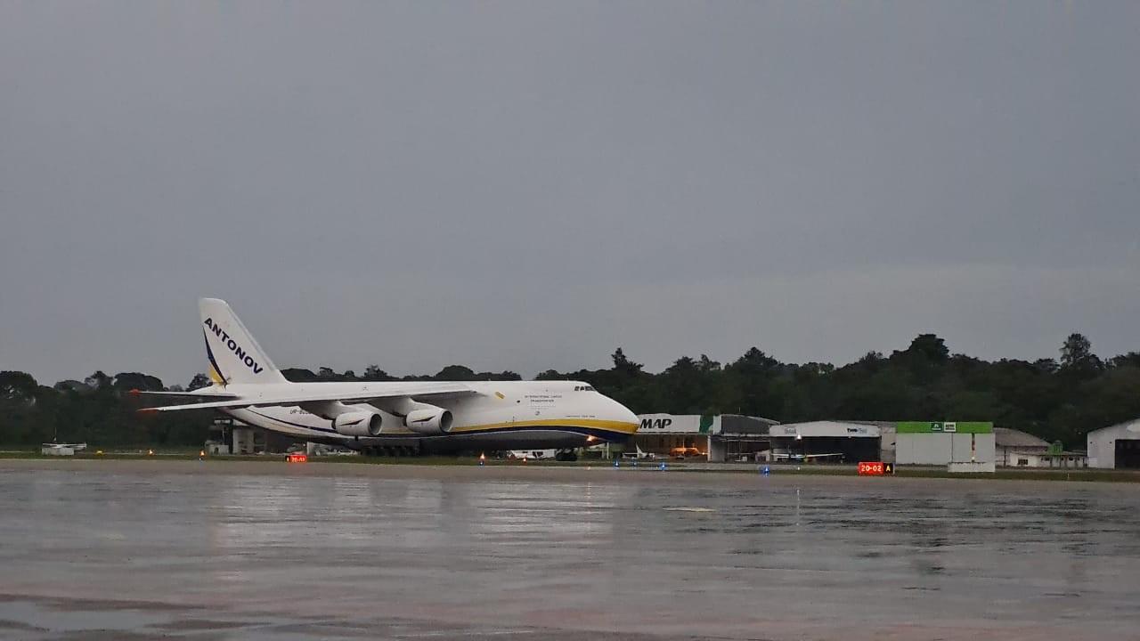 Segunda maior aeronave cargueira do mundo volta a pousar em Belém