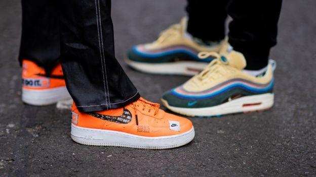 O executivo também teve a ideia de lançar edições especiais limitadas de tênis da Nike (Foto: Getty Images/BBC)