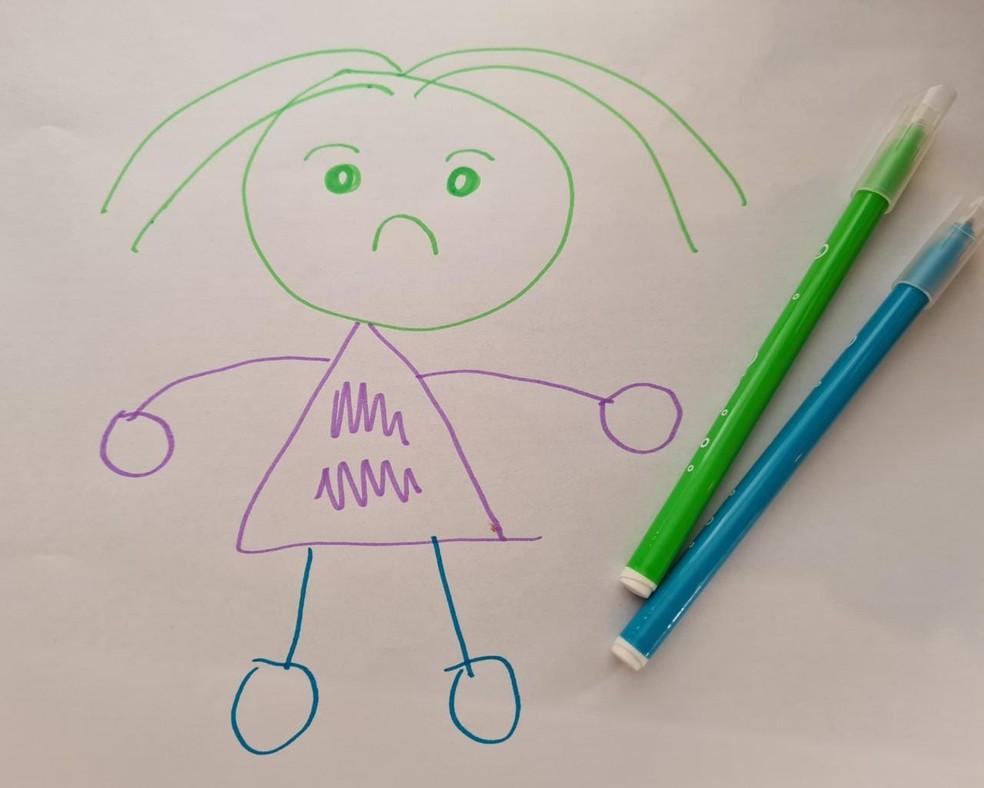 Crianças podem expressar sentimentos pelo desenho — Foto: Luiza Tenente/G1