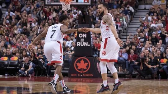 Mesmo sem Kawhi, Raptors vencem os Kings e seguem na cola dos Bucks pelo topo do Leste